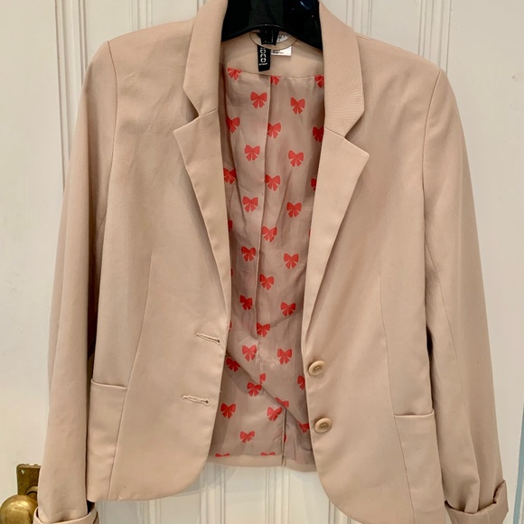 Beige H&M blazer with roll-up sleeves
